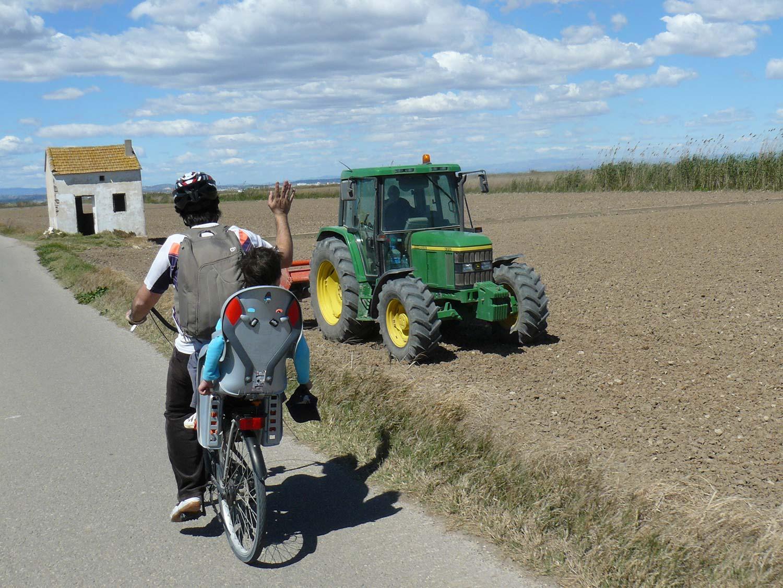 bici albufera marjal tractor